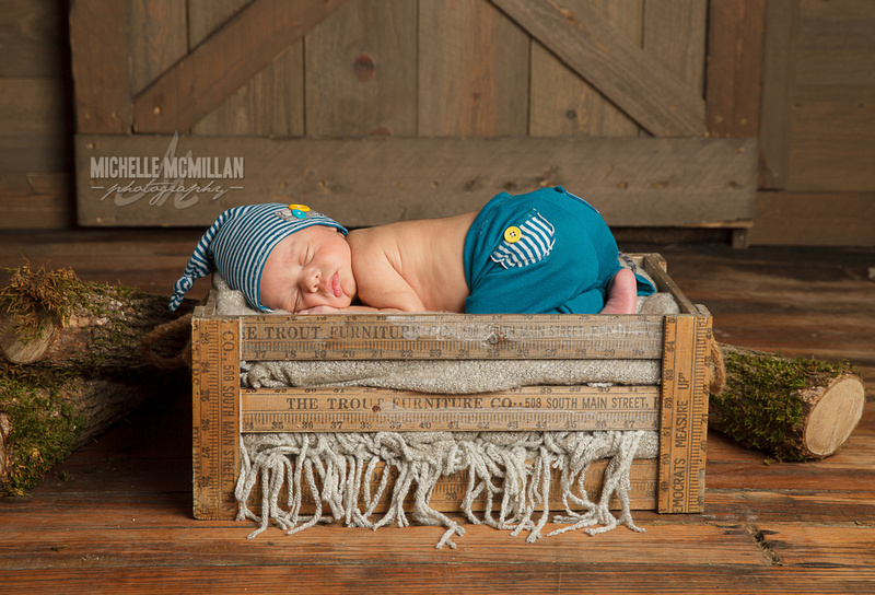 Leitchfield newborn photographer